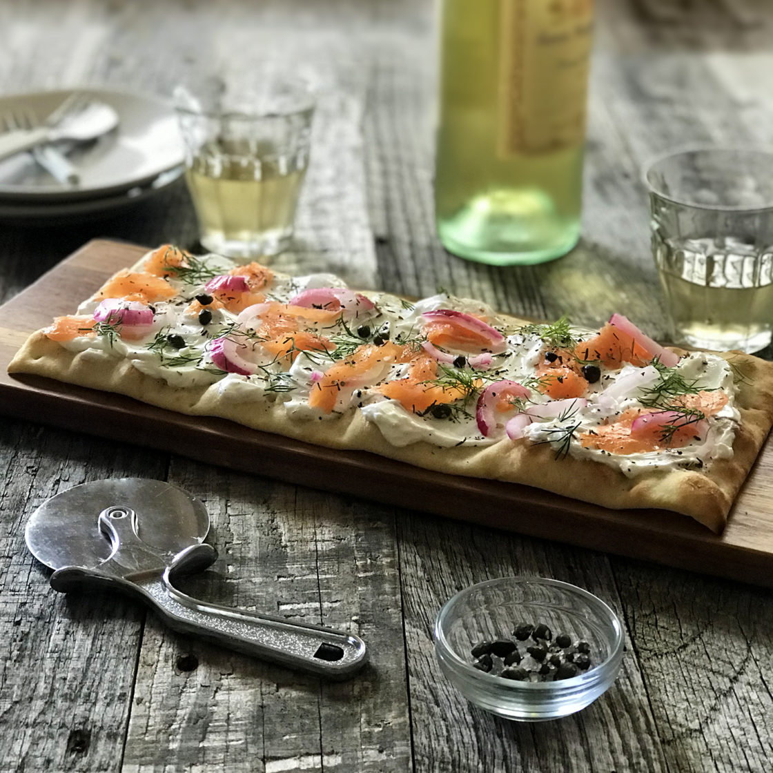 Brooklyn-Bred-Smoked-Salmon-Appetizer-Pizza-1500x1500
